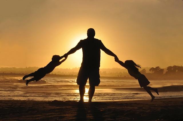 Hubungan Ayah Dan Anak Harus Dibina Sejak Usia Dini Ini Cara Cara Yang Bisa Mendekatkan Ayah Dan Anak Sayangianak